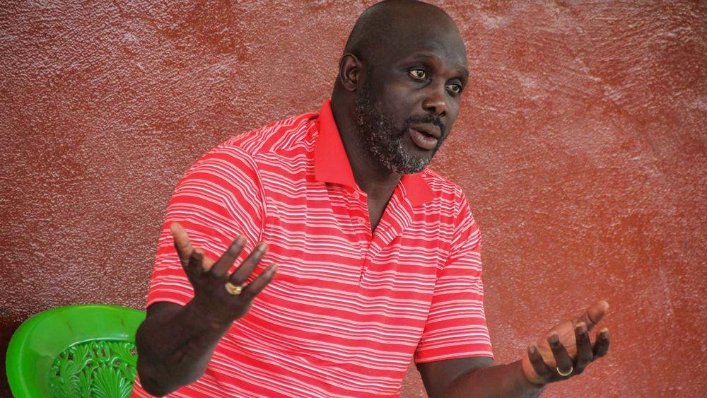 Лучший футболист Европы 1995 года избран президентом Либерии