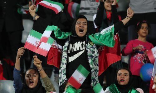 Иранские женщины посетили товарищеский матч сборной. Генеральный обвинитель назвал это грехом
