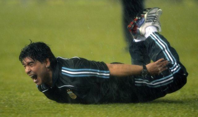 Марадона сказал, что исправилбы вигре сборной Российской Федерации